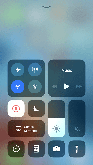 How To Turn On Flashlight On IPhone 8/iPhone X In IOS 11