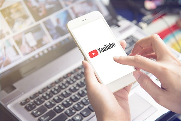 how to download YouTube videos to iPhone for free